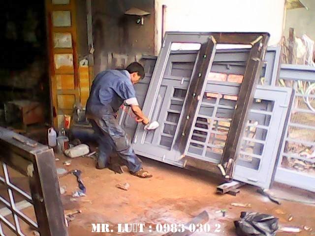 Thợ sơn cửa sắt hà nội